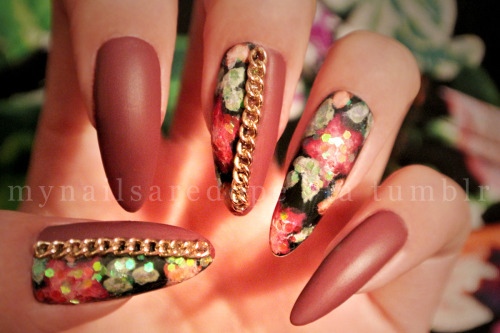 mynailsaredope:  These were my birthday nails. Matte, Essie's Angora Cardi, floral covered in hex-glitters, gold chains!