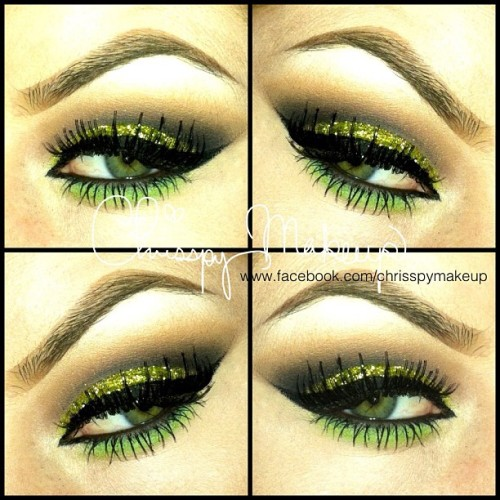 MAC chartreuse glitter… Again lol 💚 #makeup #glitter #ilovemaciggirls  (Taken with Instagram)