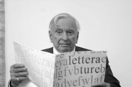 motherjones:  nedhepburn:  Dead at 86, Gore Vidal.  Rest in peace, American man o' letters.