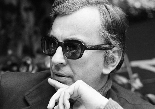 "nevver:  ""A narcissist is someone better looking than you are.""  — Gore Vidal, Dead at 86  Good point…"