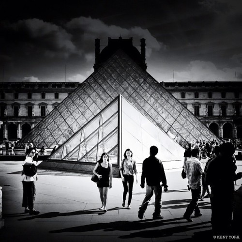 Louvre (Taken with Instagram)