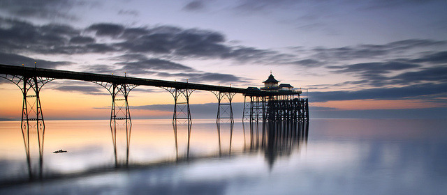 Clevedon Pier by peterspencer49 on Flickr.