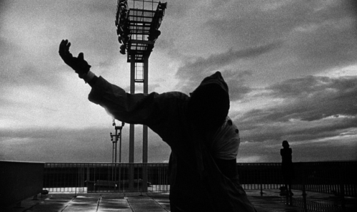 (via Stills from Chris Marker's La jetée | A Piece of Monologue: Literature, Philosophy, Criticism)