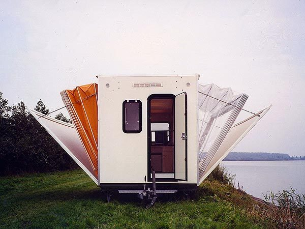 De Markies, Temporary Living entry, 1985
