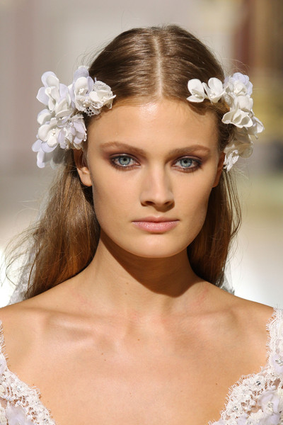 Pure White Flowers & Roses Floral Headpiece & soft nude earthy  makeup  Zuhair Murad Fall Winter 2012 Haute Couture Fashion. More Flower & Roses. August 1st, 2012.