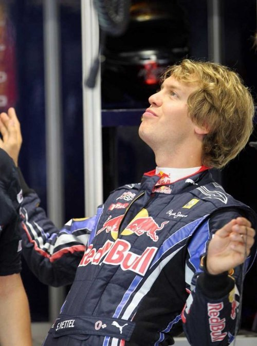 samanthasstash:  Vettel is also proving to be something of a goldmine in terms of disturbing BJ stances. Provided by @F1_Obsessive and @EmTheEmu