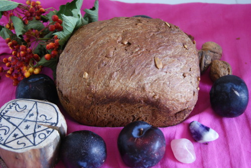 wiccanlovechild:  my self baked bread for lammas