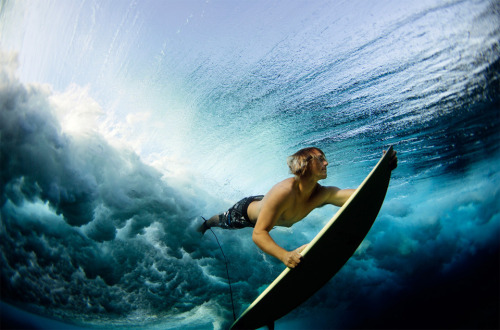 Surfing under the waves