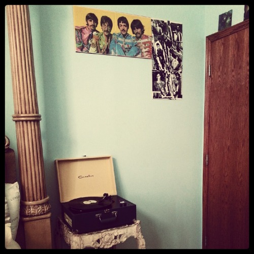 Record player, Vintage Nightstand, Vinyl art work wall beginning. #winning.