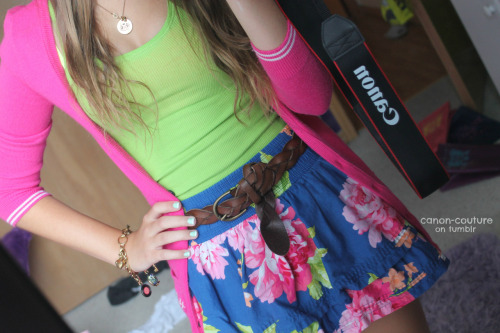 Super cute outfit— perfect for a day with the girls.