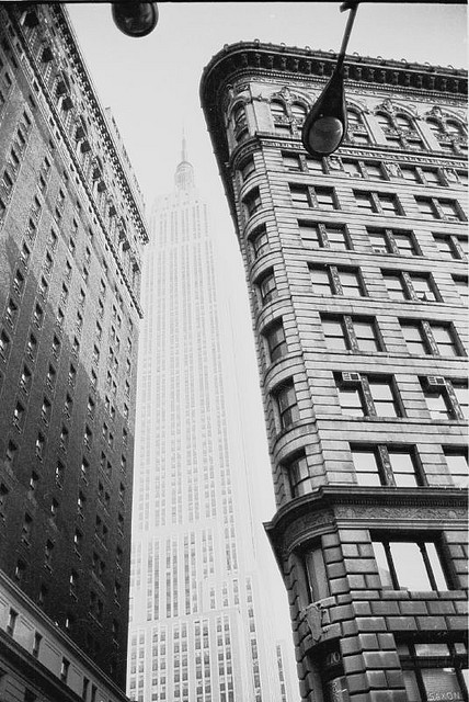 retronewyork:  NYC Empire State Building 1977 by Whiskeygonebad on Flickr.