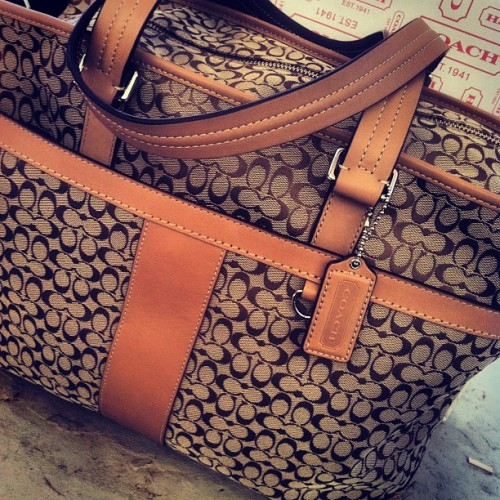 laurensolovely:  #birthday #gift #Coach #diaperbag  (Taken with Instagram)