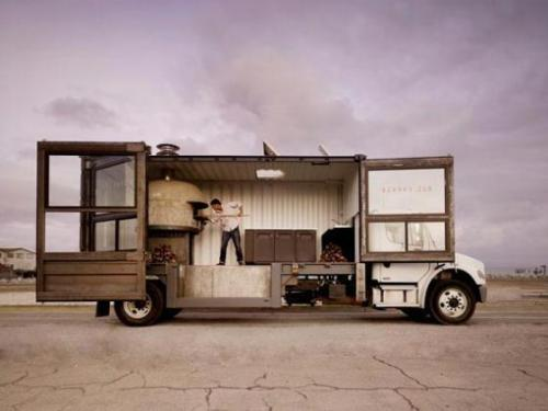 Awesome food-truck. With a wood fired oven. SF's Del Popolo
