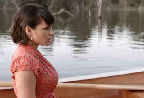 "nedhepburn:  Norah Jones' KILLER new video for ""Miriam.""  She's the foxiest ever and I really like her so shut up, ok? Hnnnnngggg. Watch it all the way to the end. It might surprise you."