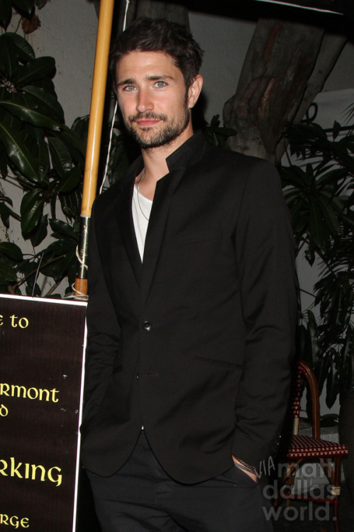 The Matt in Black! Leaving Chateau Marmont, West Hollywood last night… MDW main site . Twitter . Facebook Page . YouTube Channel . Pinterest (Photo: PacificCoastNews)