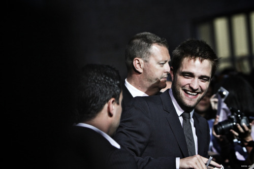 44 Days of Rob ~ Day 5: Favorite Picture of Rob from Cosmopolis premiere (Portugal or Paris) how can you not love that face? that smile? so sweet and kind. also love him flanked by his professional team. they always have Rob's back. Click HERE if you want to see the 44DoR list
