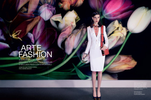(via Tati Cotliar Dons Contemporary Tailoring in i Magazine by Karine Basílio)