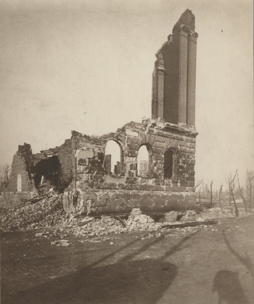 The ruins of the original Chicago Historical Society building, destroyed by the Great Chicago Fire of 1871. Want a copy of this photo?  > Visit our Rights and Reproductions Department and give them this number: ICHi-19417 Connect with the Museum