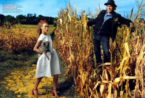 Photography by Annie Liebovitz  mark-salmon:  Annie Liebovitz -Wizard Of OZ