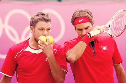 Erlich/Ram d. Federer/Wawrinka 1-6 7-6 6-3   Im sooo sad. Fedrinka has lost today.I dont have words to describe how bad i'm feeling right now :(Hug me, guys! ;~