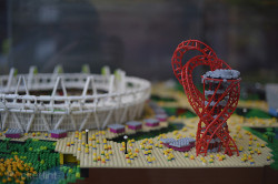 legozz:  Lego-built London 2012 Olympic Park (by Warren Elsmore via pocket-lint.com)