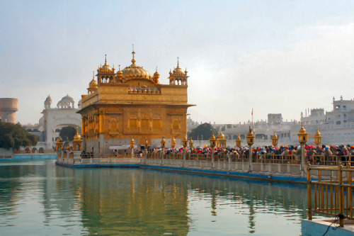 (via Golden Temple, a photo from Punjab, North | TrekEarth) Amritsar, India