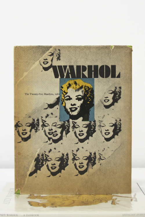 Rainer Crone, Andy Warhol The Twenty-Five Marilyns, 1962 Büchergilde Gutenberg, Frankfurt, 1970 9 x 11¼ INCHES (22½ x 28½ CM) SOLD