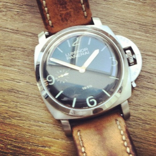 PAM127 1950 #panerai #officinepanerai#horology #instagood #picoftheday #watches #bestoftheday #instagram #montres #orologi #watchporn #watchfreak #instagramhub #instagramers #instagroove #igers #instamood #igaddict #statigram #womw #wristshots #pictures #timepieces #gardetemps #time #instago #statigram #watchforums #photooftheday #wristwatch #watchtagram #wus #watchoftheday  (Pris avec Instagram)