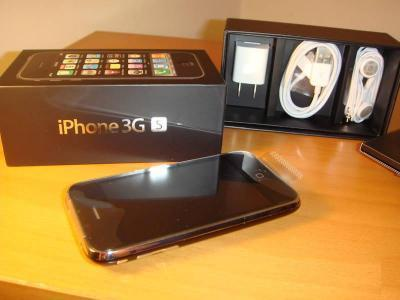 i-dr3am-0f-paradise:  giving away this iphone 3gs that i won, because i already have the iphone 4 must reach 3,00 notes or will not  be given away reblog as many times (the more you reblog the more you will be noticed) no likes (you will be disqualified mbf me shipping worldwide  Reblog if you want it!!