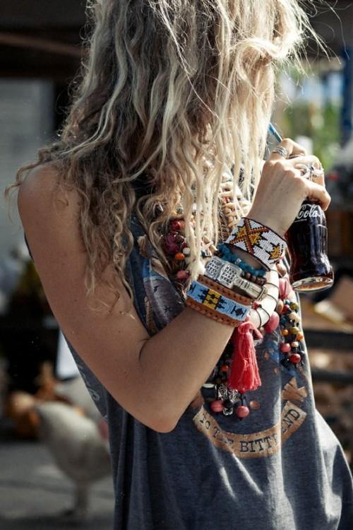 tribalprintedbeauties:  TribalPrintedBeauties: Hippie/ Peace Blog