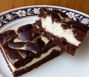 findvegan:  Vegan Cheesecake Brownies