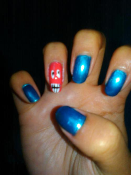 funny face nails :-D