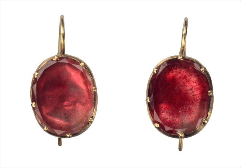 1800-10s Georgian Garnet Earrings, 15K (in the online shop)