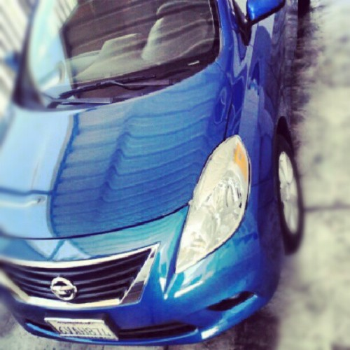 God i love it when she sparkles #2012 #Nissan #versa #blue #love #instgram #sexy  (Taken with Instagram)