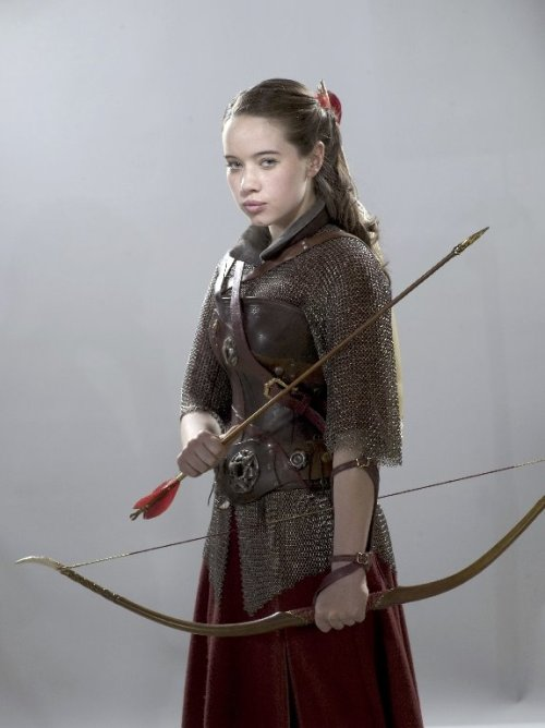 medievalpunks:  Anna Popplewell as Susan Pevensie