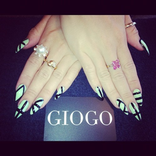 prettynailswag:  giogo:  GIOGO Nails done by @sarahbland #mint #black #nailart Inspired by #HausOfLacquer designs (Taken with Instagram)  Ooohwee so FAB!