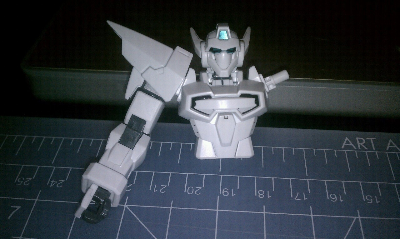 Hg g bouncer. Loving the all white. Toned down panel lines and keeping it minimal to keep the light look of it.