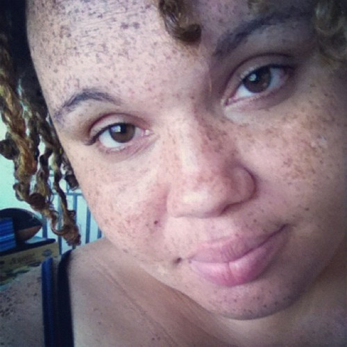 I'm on my level #highaf #eyes #naturalhair #freckles  (Taken with Instagram)