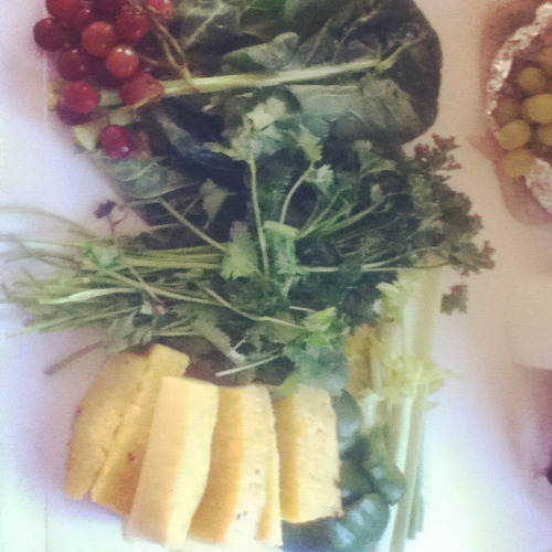 Grapes, pineapples, cilantro, parsley, green bell pepper, collards and celery