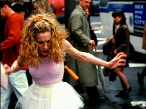 FASHION RETROSPECT /// Carrie Bradshaw wears the infamous white tutu on the streets of NYC ;*