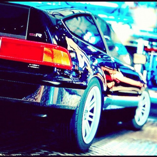 Honda CR-X Si-R. #dope #fresh #honda #import #1990s #import #allday #race #car #black #slammed #dropped #flush #hellaflush #flushed #low #street #lights #red #white #rims #race #car #fast #igers #ig #ignation #igmood #iggood #igdaily #jj_forum #instago #instagram #instagramhub #instagrammers #instadaily  (Taken with Instagram)