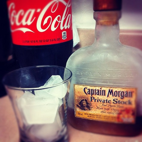 Since I'm stuck studying…don't mind if I do 😉☺😁👍 #rum #coke #captain #privatestock #drink #drank #frosted #socold #yes #spicy #yuminmytum  (Taken with Instagram)