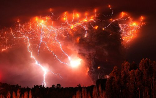 stunning shot of lightning in a volcano…. Probably sounds as epic as it looks