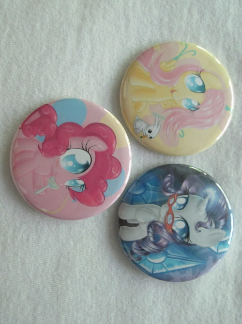 Here's a sneak peek of half of the pony buttons :3 These will be sold online and at cons for $2 a butt (with shipping…lol butts)~! Sorry about the quality…we don't have a SUPER DIGITAL DRAGON X 50-AQUA ESSENCE OBSIDIAN PREMIUM DIRECTORS CUT CAMERA.