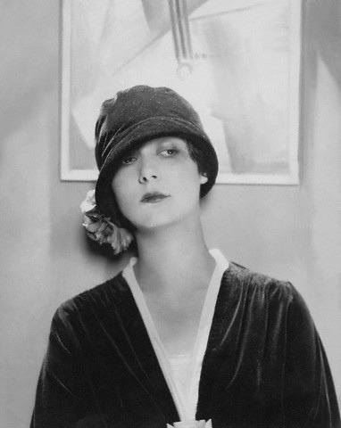 Edward Steichen, Model Wearing Velvet Cloche by Reboux, 1925 found on http://www.flickr.com/photos/gatochy/2315348185/in/set-721575943562…