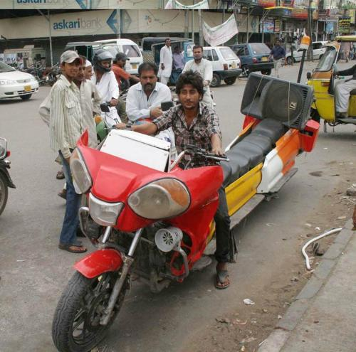 A guy assembled 14 seater motorcycle - hahaa, only in Karachi! (via esslatexpress) Forget everything, check out the sound system!  Follow us on Facebook | Twitter or Submit something or Just Ask!