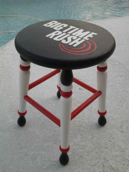 Painted my Big Time Rush stool today to show my rusher-ism.
