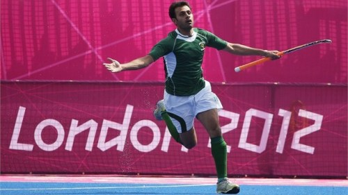 Imran, Abbas guide Pakistan past Argentina Pakistan recorded their first win in the hockey tournament at the London Olympics on Wednesday as they beat Argentina 2-0. Mohammad Imran and captain Sohail Abbas scored as Pakistan swept past Argentina at the Riverbank Arena in London. Argentina, on the other hand, maintained a good rhythm but could not convert their chances into goals. (complete news)  Go Pakistan!  More: It's do or die against Great Britain: Rehan Butt (via umalik)  Follow us on Facebook | Twitter or Submit something or Just Ask!