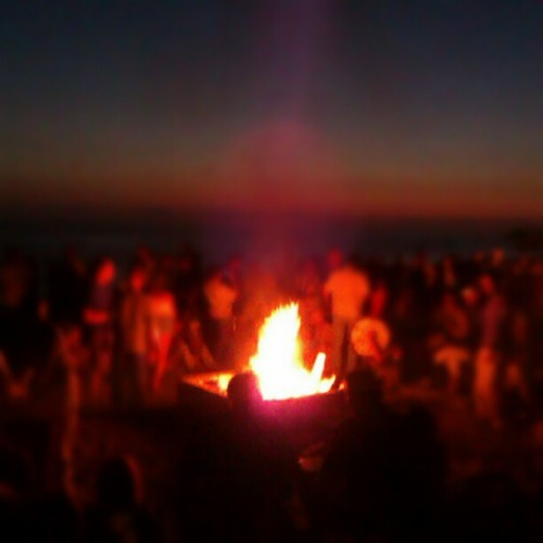 #thousandsofpeople #bonfire #lagunabeach  #drumcircle #droidography #igdaily #yay #sunset #Cali #heckyes  (Taken with Instagram)