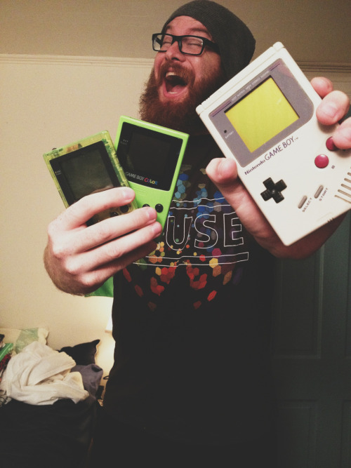 pupmax:  jakethebeardedgeek:  on a retro gaming kick… so glad I still have all of these! (plus the GB Advance, SP, and DS lite)  I have no shame in admitting that I am completely in nerdy lust with this boy.   ToT damn sexy guy AND A GAYMER! You suck tumblr… Why everyone so far away from me T_T